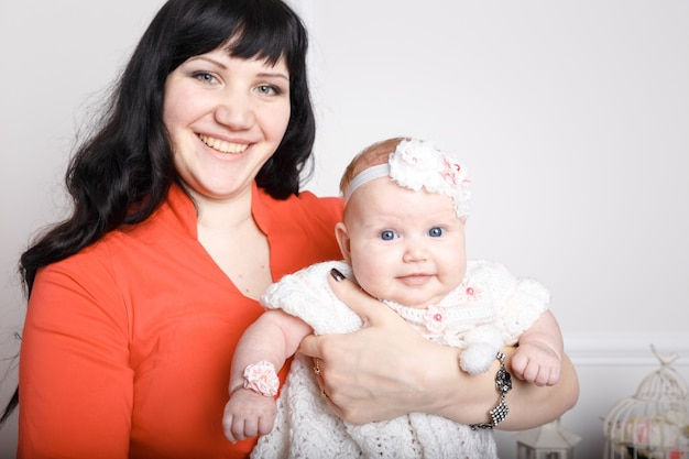 Linda e feliz mãe
