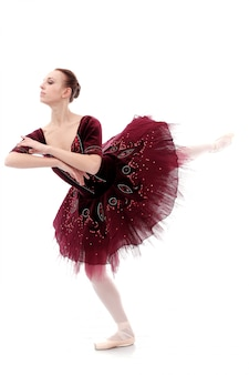 Linda e linda bailarina em pose de balé