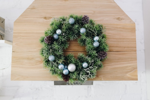 Linda guirlanda de natal, elemento de design de interiores festivo e aconchegante