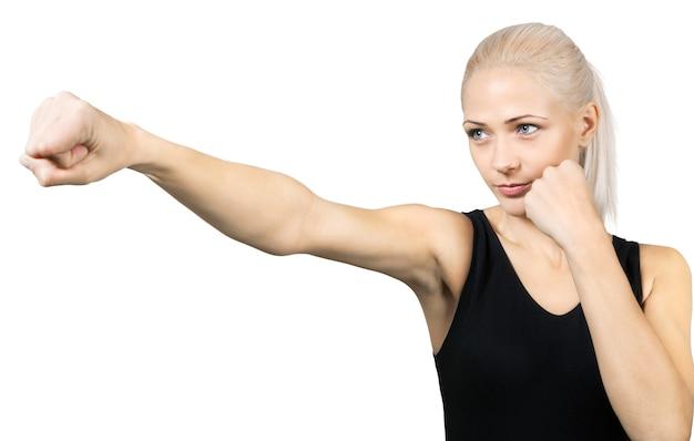 Linda mulher loira boxe isolado