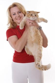 Linda mulher madura e seu gato