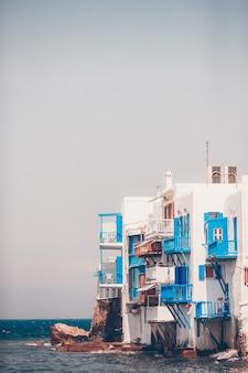 Linda pequena veneza na ilha de mykonos na grécia, cyclades