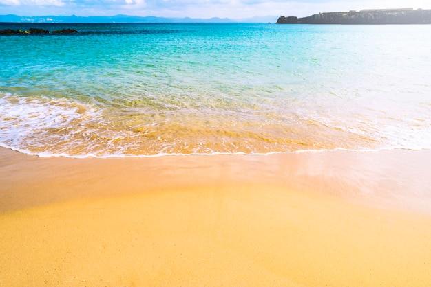 Linda praia de verão