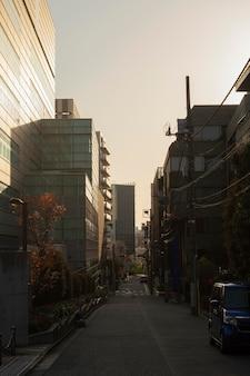 Linda rua vazia do japão