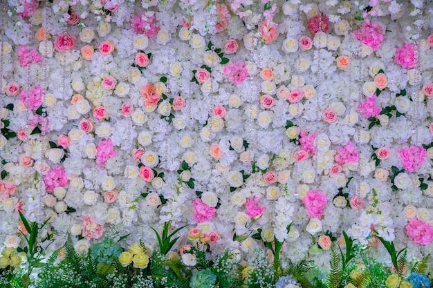 Lindas flores de fundo para a cena do casamento