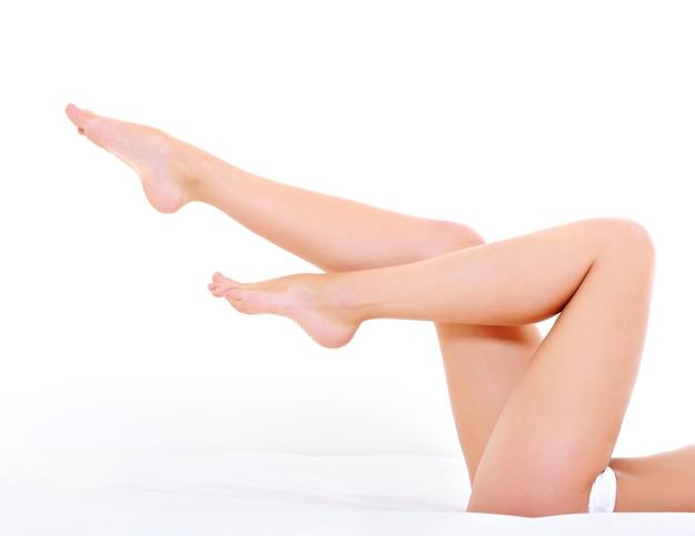 Lindas pernas longas de mulher