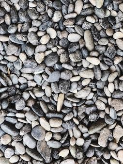 Lindas rochas e pedras cinzentas, azuis e brancas. bela textura e padrão