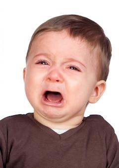 Lindo bebê chorando isolado no fundo branco