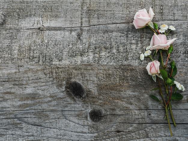 Lindo buquê de flores brilhantes