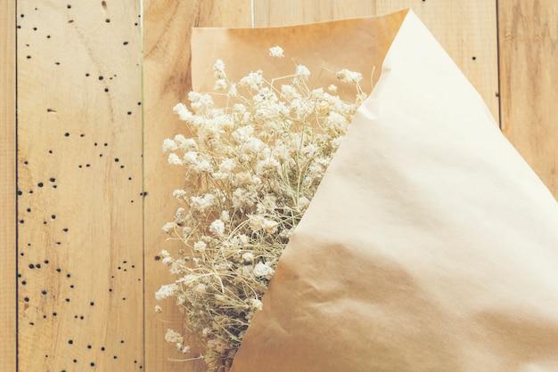 Lindo buquê de flores secas, imagem de filtro vintage