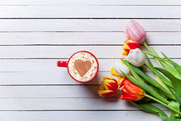 Lindo buquê de tulipas