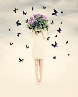 Lindo cartão com mulher, flores e borboleta. fundo de amor de verão