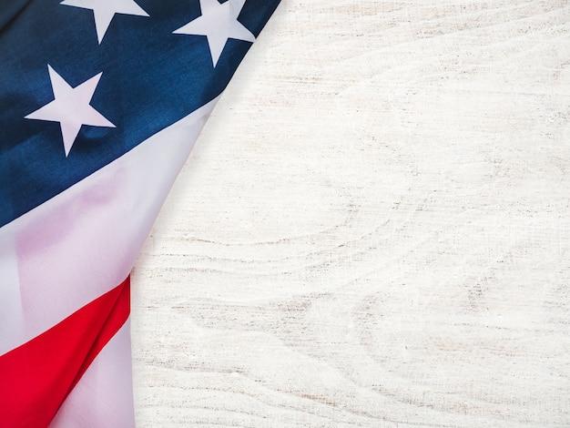 Lindo cartão de felicitações com a bandeira americana