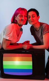 Lindo casal de mulheres lésbicas