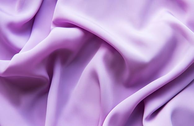 Lindo cetim violeta elegante e elegante