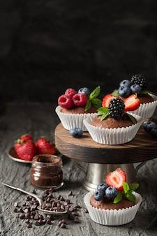 Lindo e delicioso arranjo de sobremesa