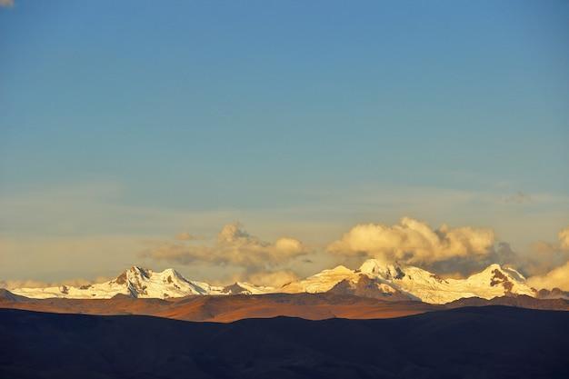 Lindo pôr do sol no nevado huaytapallana