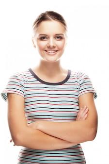 Lindo rosto sorridente de jovem com pele limpa saudável