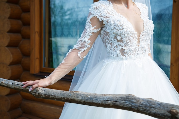 Lindo vestido de noiva para a noiva no dia do casamento