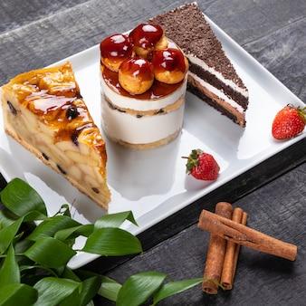 Lindos bolos de chocolate, sobremesas de perto