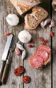 Linguiça e pão