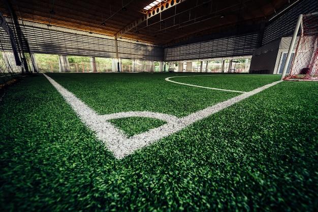 Linha de canto de um campo de treinamento de futebol de futebol indoor