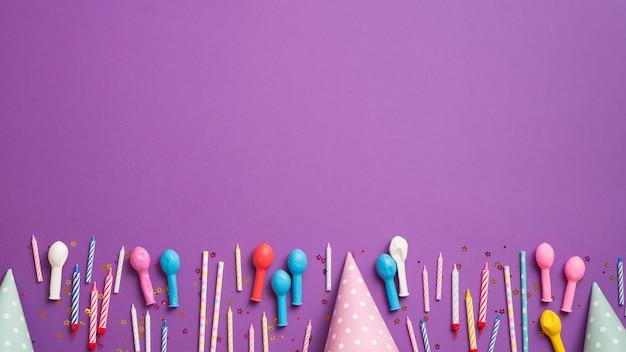 Linha de elementos de aniversário arrumado