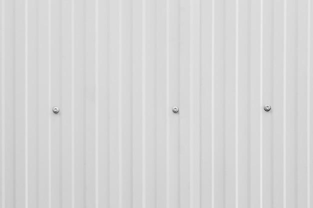 Linha de folha de metal de aço de onda limpa branca listrada padrão de textura de parede de cerca moderna de indústria para segundo plano.