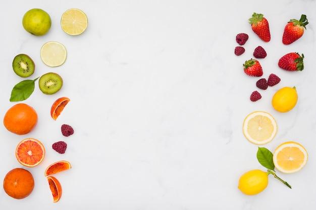 Linha de frutas vista superior