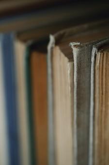 Linha de livros, conceito de literatura