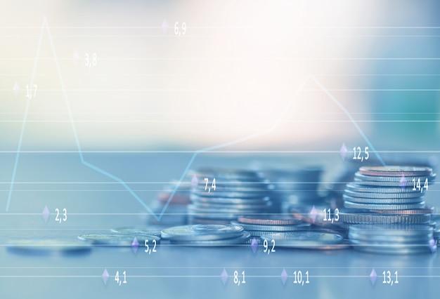 Linha, de, moedas, ligado, madeira, fundo, para, finanças, e, salvando, conceito, investimento, economia, foco macio