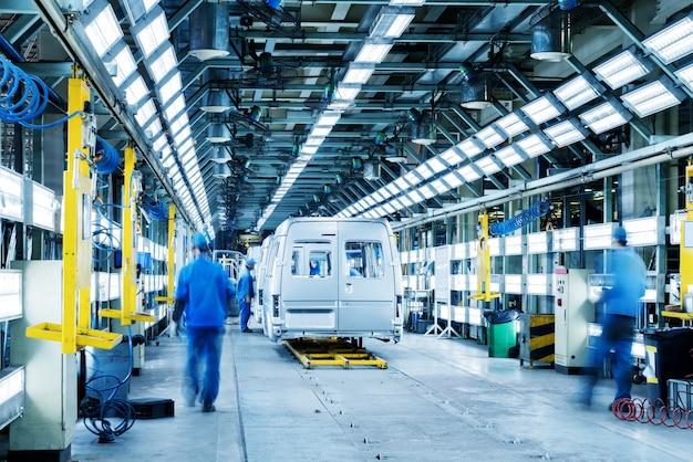 Linha de produção automotiva