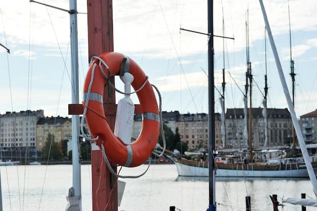 Linha de vida à beira-mar helsinque, finlândia