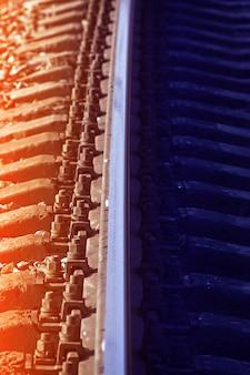 Linha férrea na rússia. matizado.