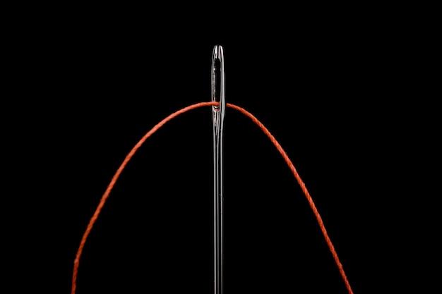 Linha vermelha no olho da agulha