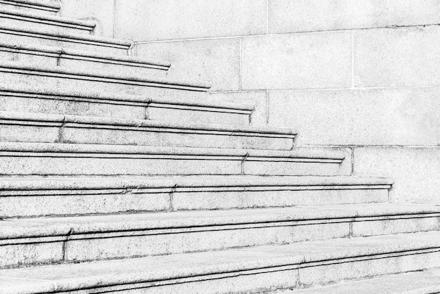 Linhas arte anfiteatro que constrói para baixo