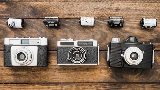 Linhas de câmeras e cassetes de filmes