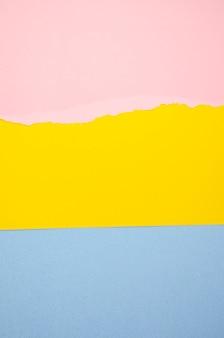 Linhas de close-up de papel colorido rasgado