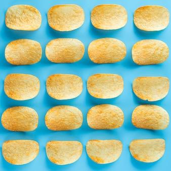 Linhas de close-up e colunas de batatas fritas
