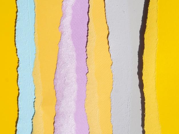 Linhas de composição abstrata com papéis coloridos
