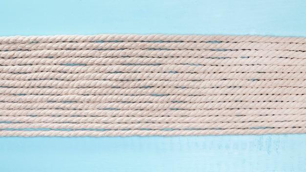 Linhas horizontais de cordas bege de navio