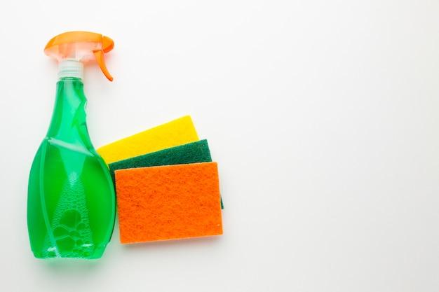 Líquido de lavagem com esponja