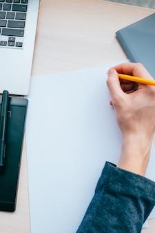 Lista de verificação de planejamento de trabalho de escritório. lista de tarefas. espaço vazio de papel em branco