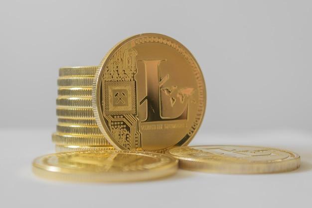 Litecoin - criptomoeda ltc moeda lite em fundo claro
