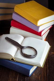 Livro aberto em tom de luz vintage