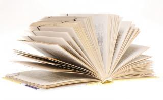 Livro da biblioteca da escola