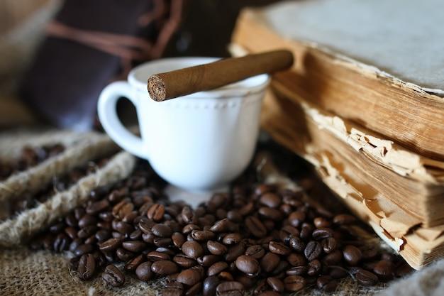 Livro de cordas de grãos de café