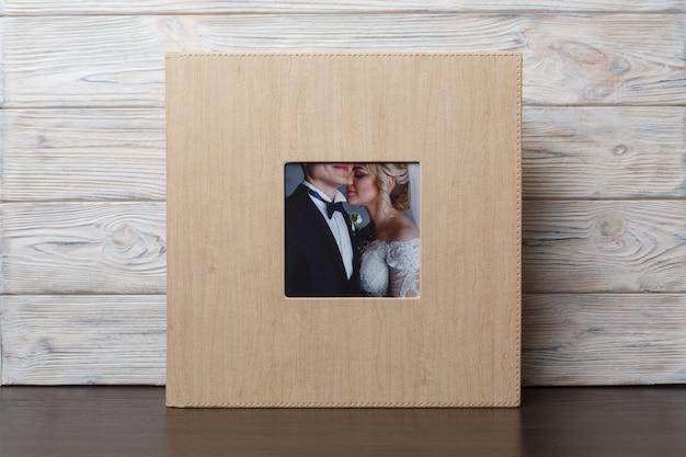 Livro de fotos de família com capa dura. álbum de fotos de casamento