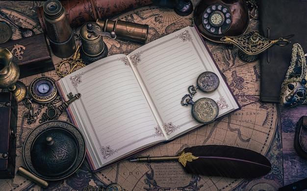 Livro diário com coleção pirata
