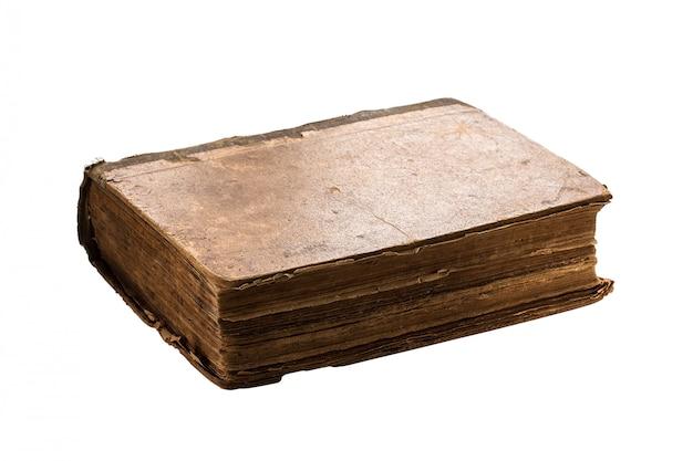 Livro muito antigo isolado no branco.